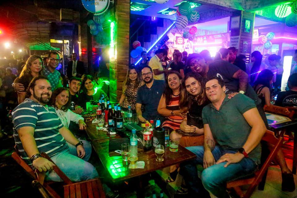 Quem é notícia está na coluna social by Augusto Cruzz
