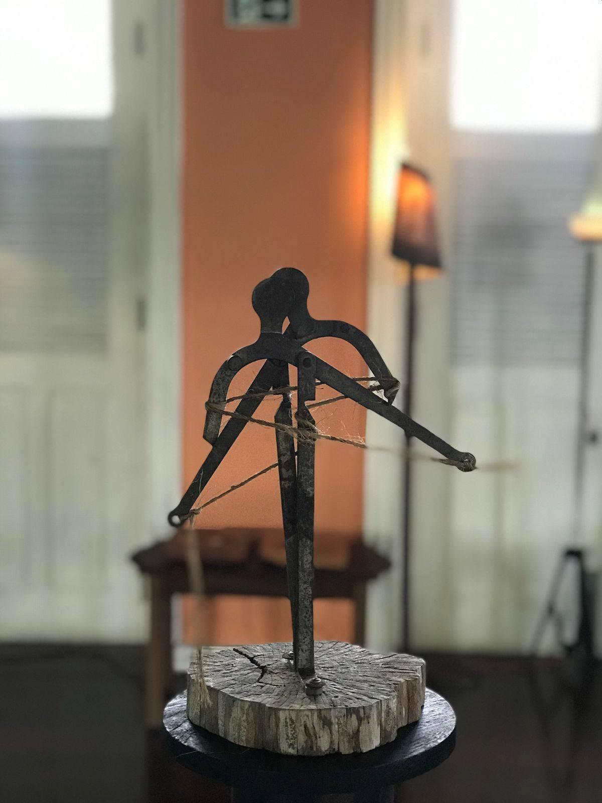 Tá um sucesso a exposição de Guilherme Teixeira no chalé Tavares Cardoso